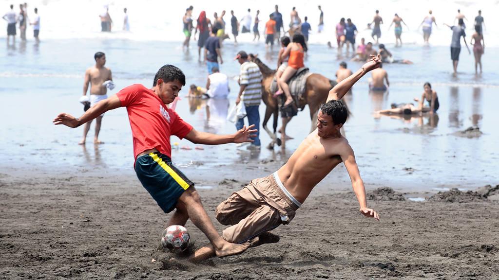 Torneo Futbol Playa Majahual MAS! Hotel Pacifico