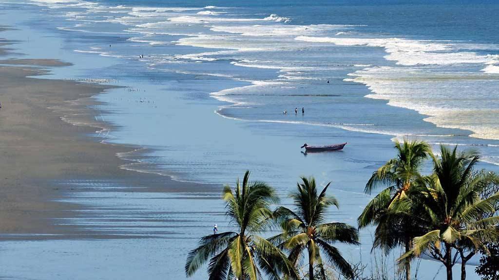 Vista de la playa el Cuco San Miguel
