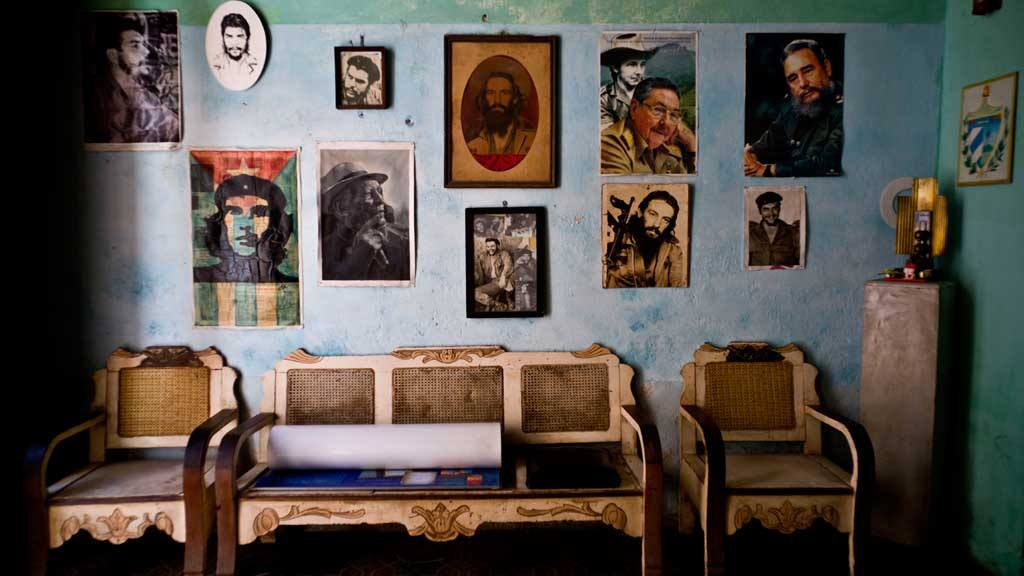 Images of revolutionary hero Ernesto
