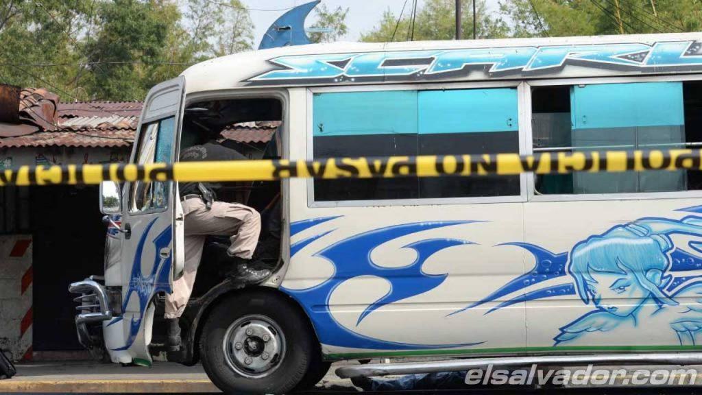 Un muerto y dos heridos tras ataque a microbús en Mejicanos
