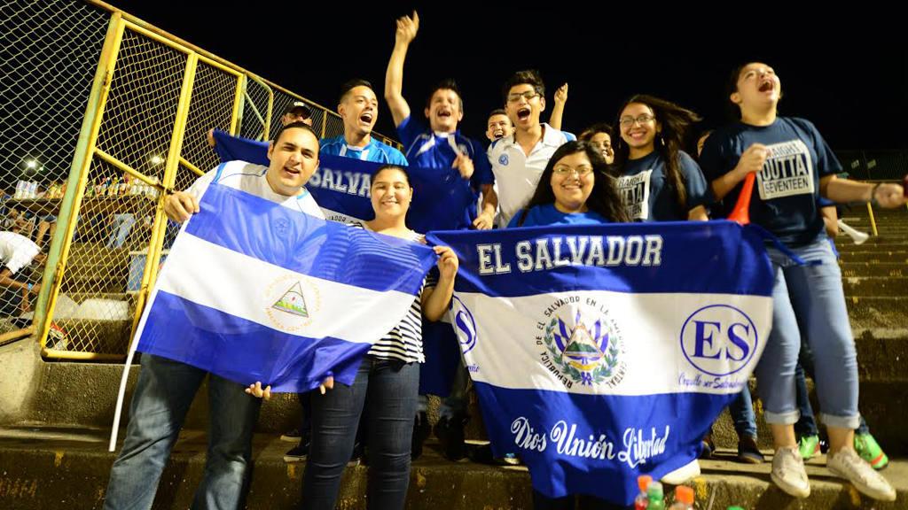 Partido amistoso entre Nicaragua y El Salvador. Selección Nacional.