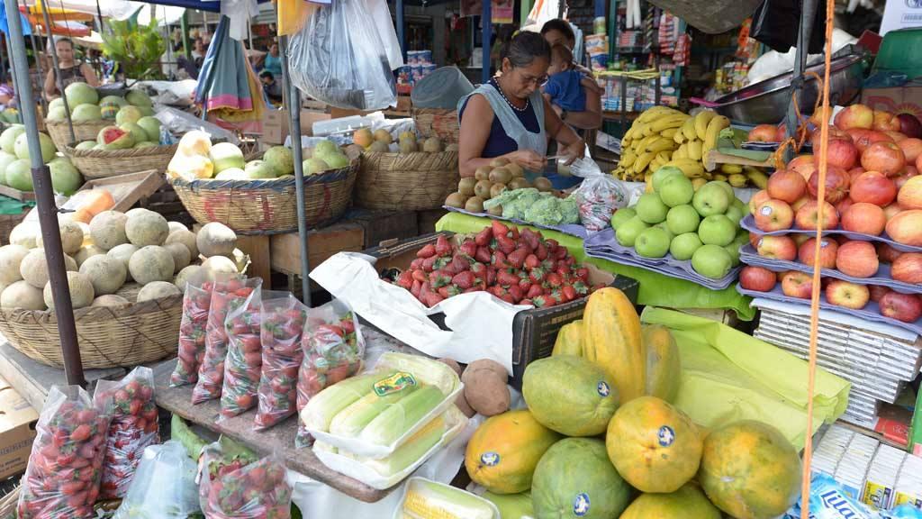 Resultado de imagen para verduras en el mercado de el salvador