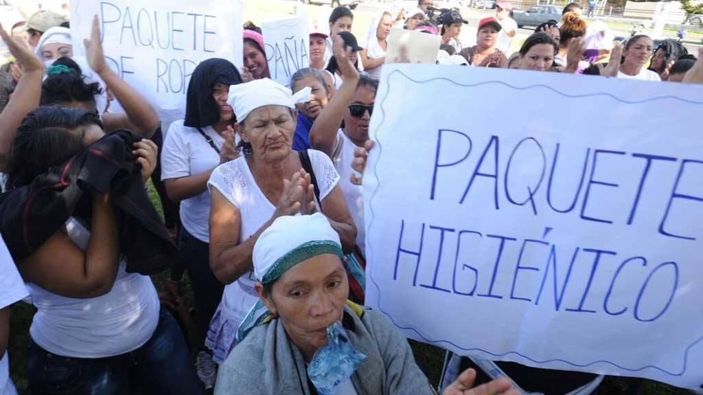 Protesta de familiares de reos