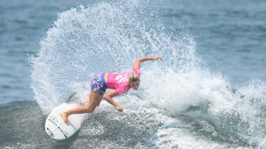 Surf Internacional Femenino en playa Punta Roca