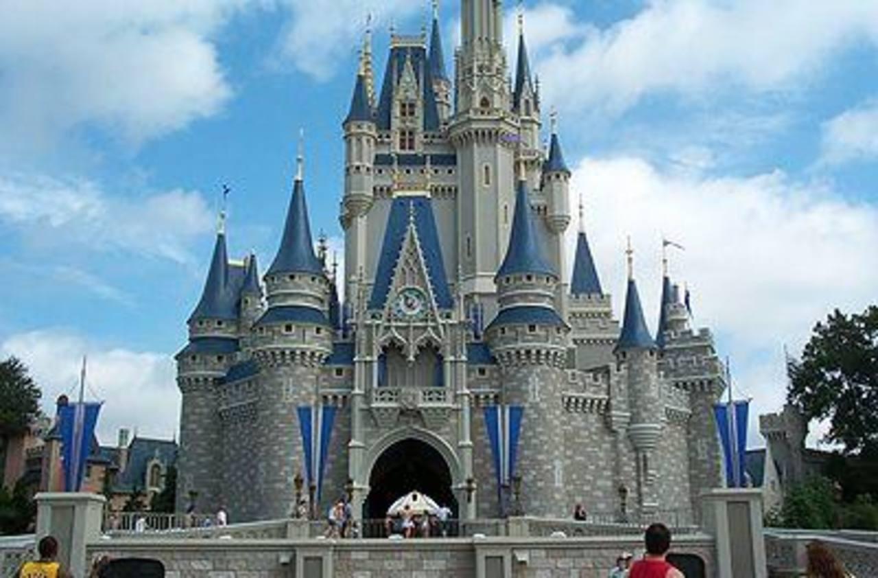 Asombroso Disney World Castle Para Colorear Elaboración - Dibujos ...