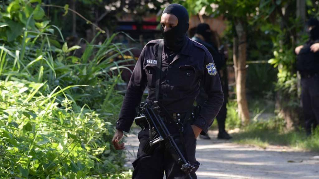 Mueren tres supuestos pandilleros en enfrentamiento con policías