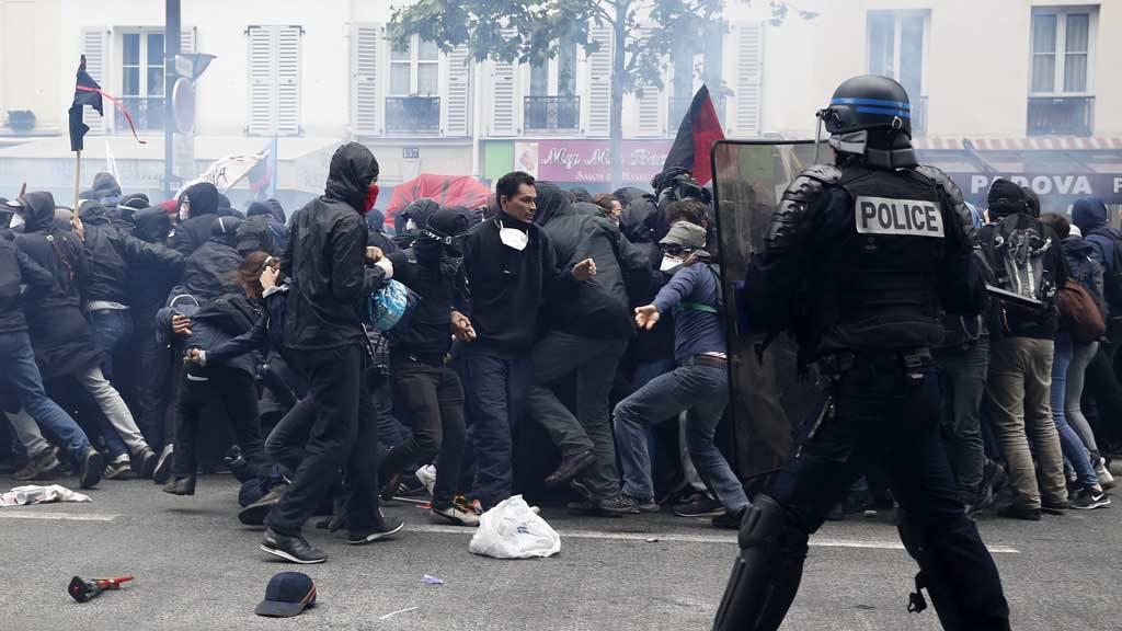 Violentas protestas contra la reforma laboral en París