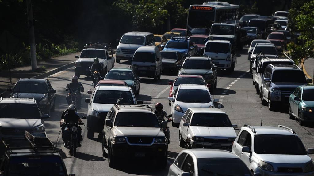 Tráfico en diferentes puntos de la capital, San Salvador, El Salvador.