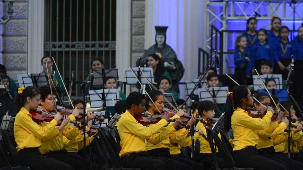 Sinfónica Esperanza Azteca San Salvador