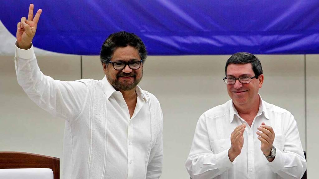 Colombia y FARC firman acuerdo de paz