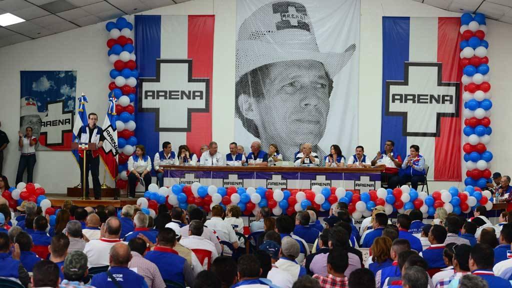 Satisfacción e inconformidad luego de ratificar reformas a estatutos de ARENA