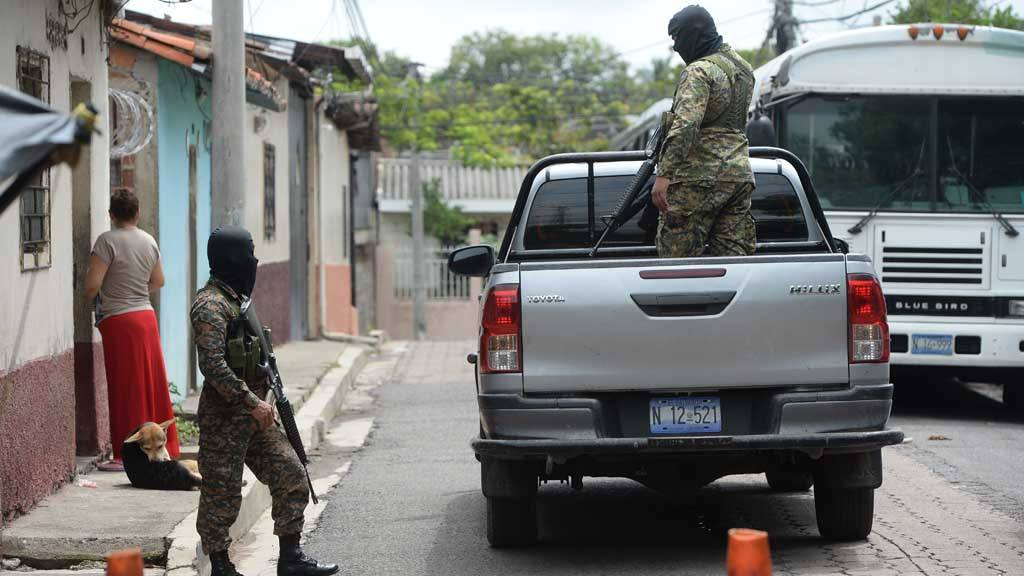 Asesinan cuatro reclusos en el penal de Quezaltepeque