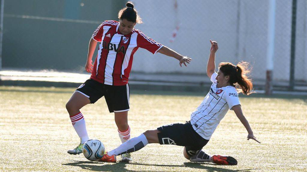 Alejandra Herrera, la salvadoreña que la rompe en River Plate