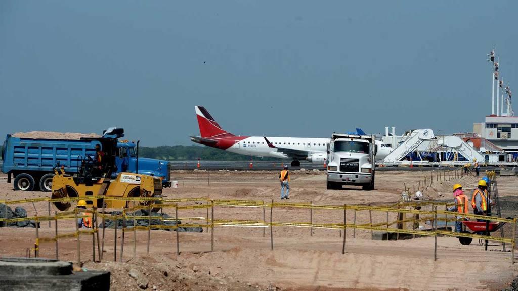 Aeropuerto, construcción, pista