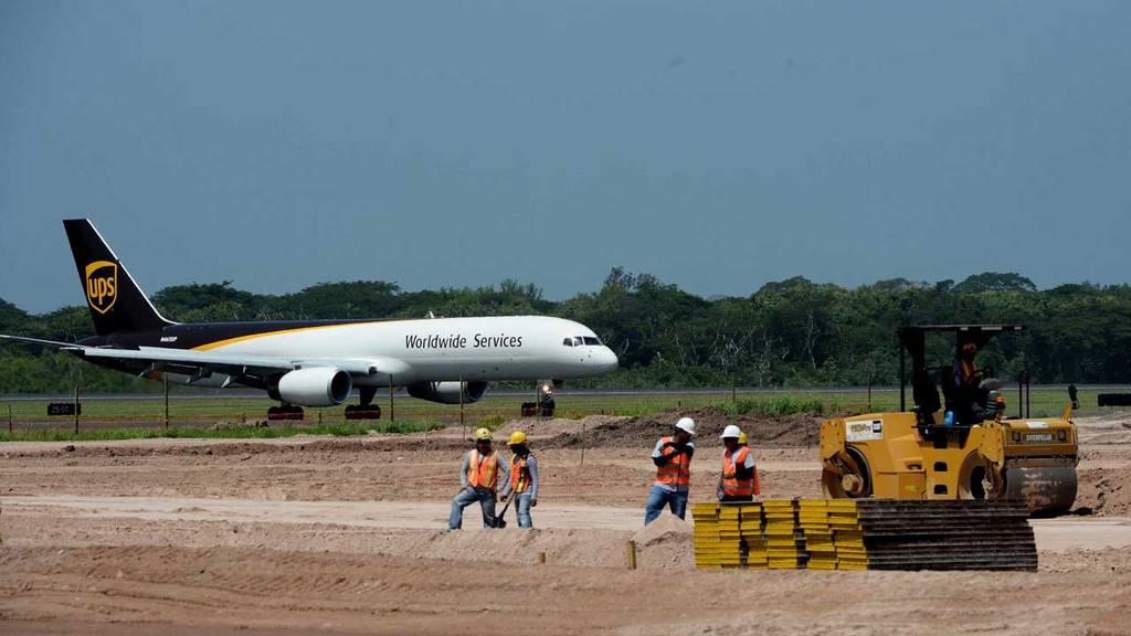 Aeropuerto, construcción