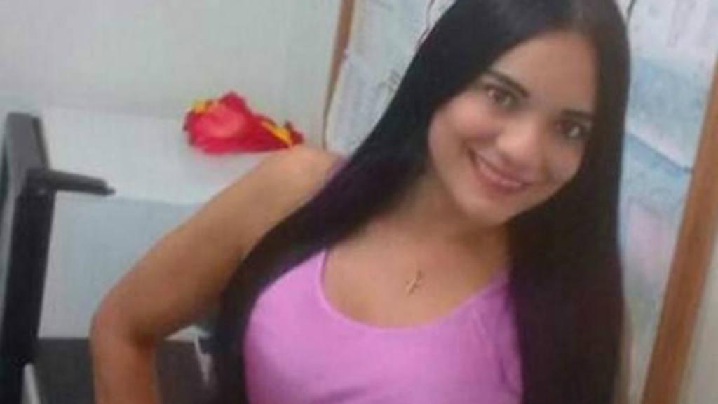 Chica colombiana 18 anos con gran conjo mojada por dedeando - 3 part 6