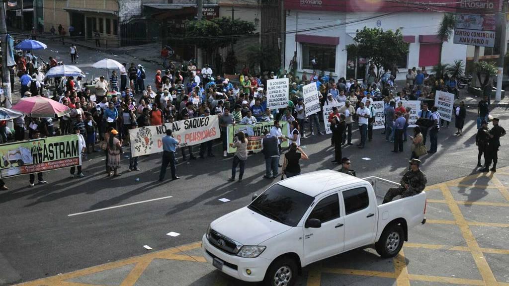 Protesta por reformas a pensiones