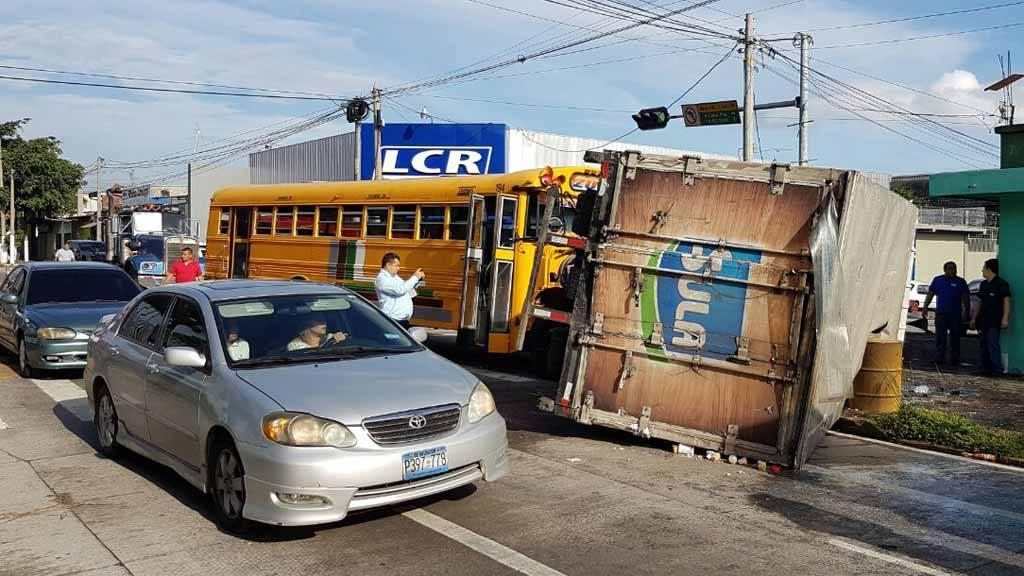 accidente de transito en Santa Tecla en la entrada de las Delicias.