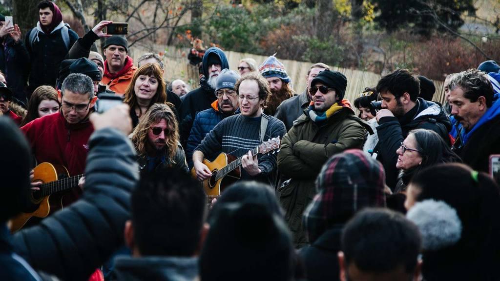 VigilIa por el 36 aniversario de la muerte de John Lennon en Nueva York