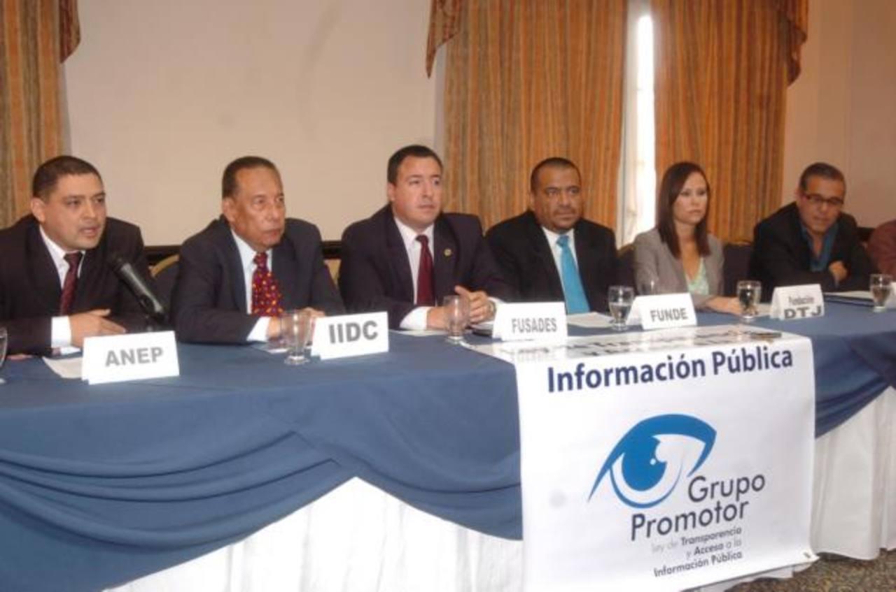 Blanca Lidia Orellana, alcaldesa de Caluco, Sonsonate, durante un acto político tricolor el sábado anterior. foto edh / archivo