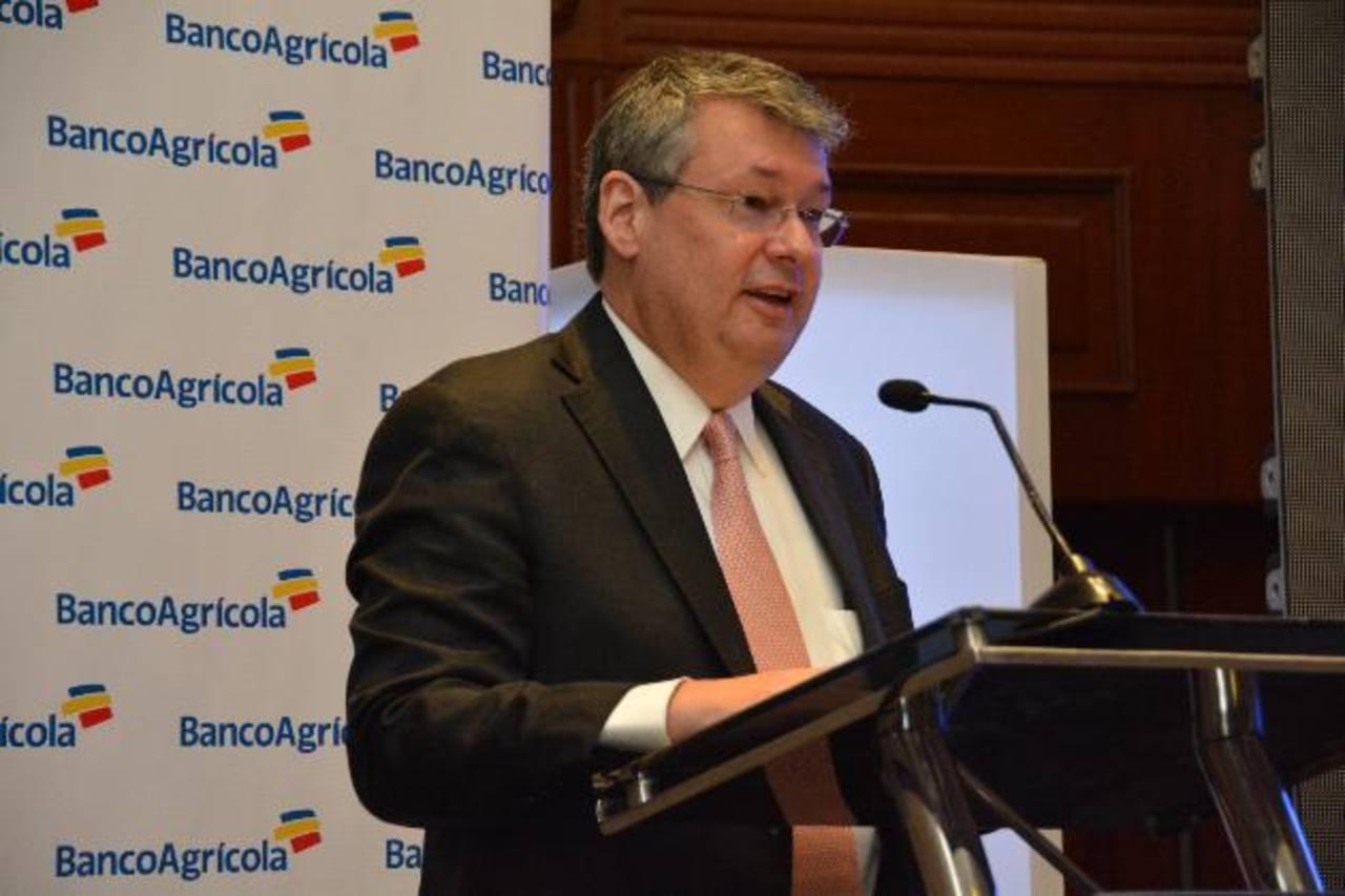 Rafael Barraza, presidente de Banco Agrícola. foto edh / David Rezzio