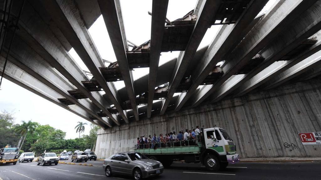 Tramos del bulevar Diego de Holguin, investigan corrupción en la construcción