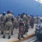 Piden libertad de militares detenidos