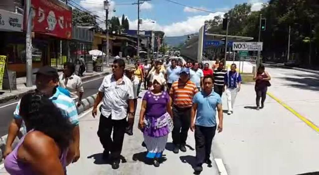 Comerciantes piden quedarse en predio don Rúa