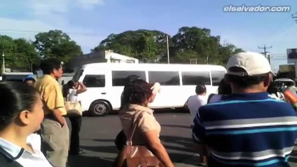 Transporte público funciona de manera irregular | elsalvador.com