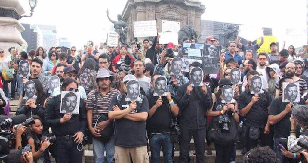 El asesinato de un reportero mexicano desató protestas.