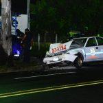 patrulla detiene a roba carros.