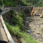 La Policía Nacional Civil, llegó a la escena del hallazgo de dos cuerpos en las riberas del río Acelhuate   por el puente Las Mulas