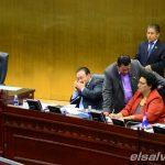 se reenganchan 49 asesores legislativos del período anterior