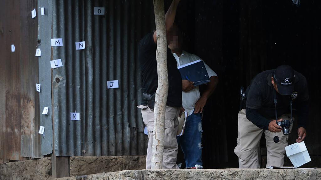 Tres sujetos mueren al enfrentarse a policias y soldados en una casa del caserío Los Peñas, Cantón La joya en el municipio de Izalco, en Sonsonate