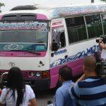 Un cobrador asesinado y tres personas lesionadas en ataque armado por varios sujetos a microbús de la R113