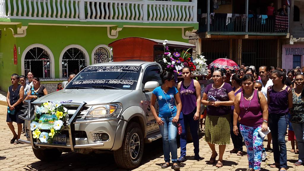 Profesora Lilian Flores asesinada