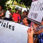Los profesores han realizado varias protestas para presionar que emitan el decreto de retiro voluntario.