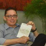 Presentacion de libro El Oligarca Rebelde de Marvin Galeas
