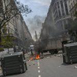 ESC?NDALO POR ESPIONAJE SACUDE RECTA FINAL DE LA CAMPA?A ARGENTINA