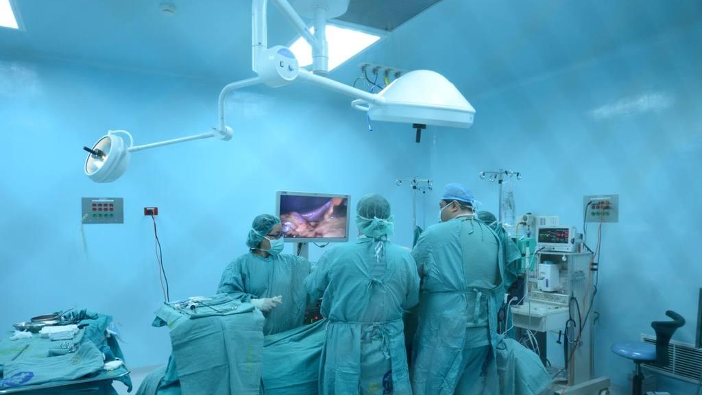 Las operaciones oftalmológicas han sido suspendidas en la última semana.