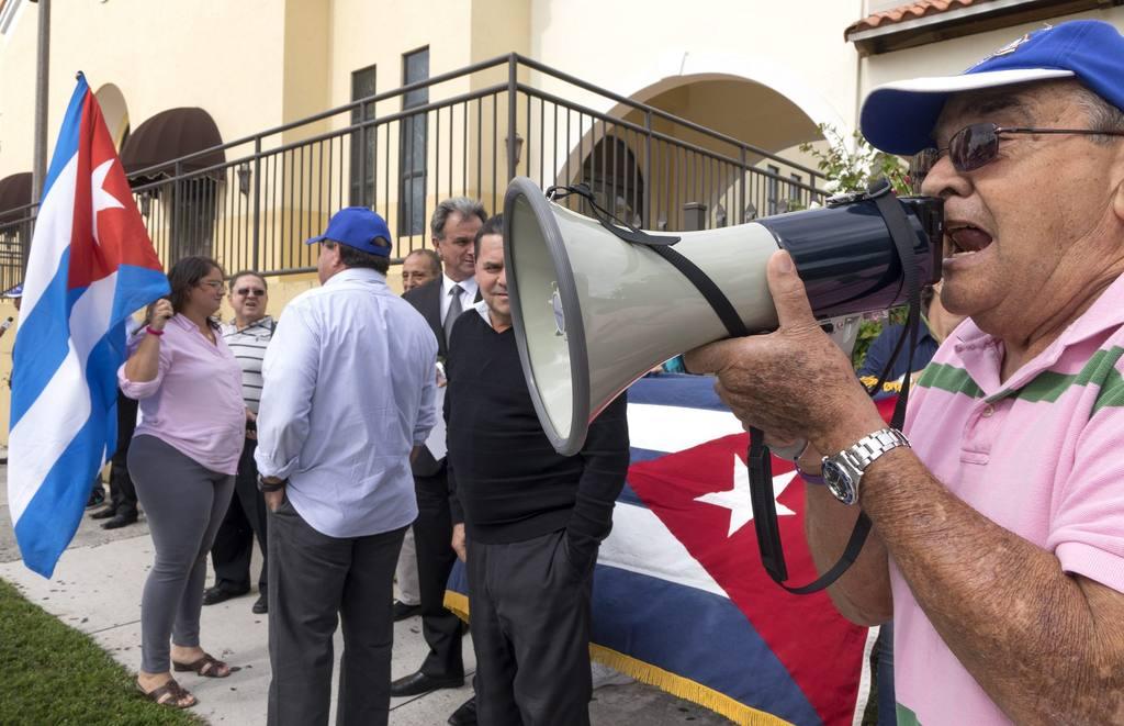 Exilio cubano en Miami pide a Nicaragua que permita paso de refugiados