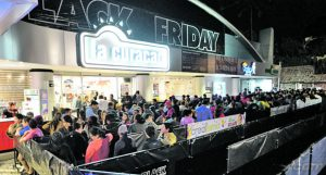 Así vivieron los salvadoreños el Black Friday el año pasado