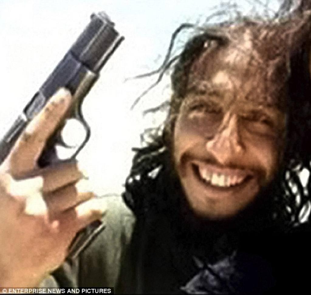 El yihadista belga Abdelhamid Abaaoud, presunto cerebro de los atentados del pasado viernes que dejaron 129 muertos en la capital francesa
