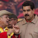 Diosdado Cabello (izquierda), jefe de la Asamblea venezolana, y el gobernante chavista Nicolás Maduro.