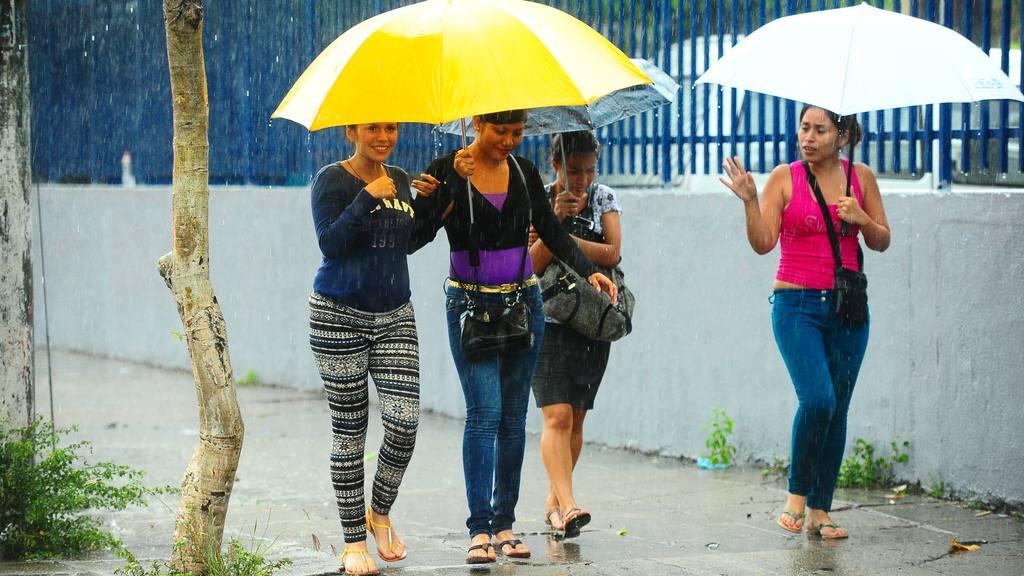 El inicio de la época lluviosa tendría un ligero atraso, informó Medio Ambiente.