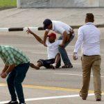 Los activistas cubanos detenidos durante la visita del papa Francisco.
