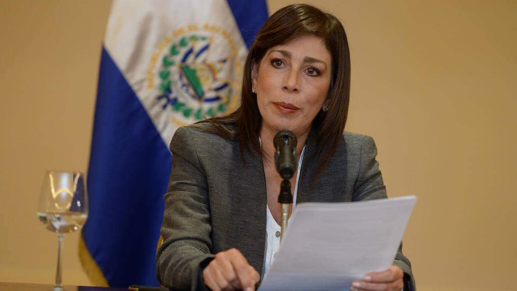 Conferencia de prensa de la diputada Ana Vilma de Escobar