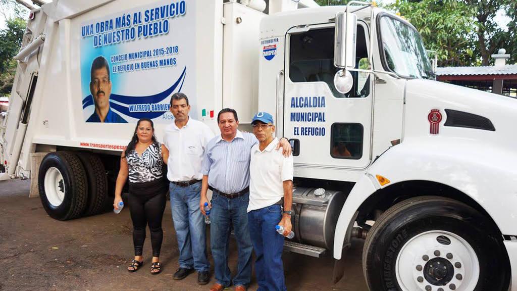 El alcalde de Villa El Refugio, en Ahuachapán, Wilfredo Barrientos, realizó el pasado fin de semana una rendición de cuentas en el parque central del municipio.
