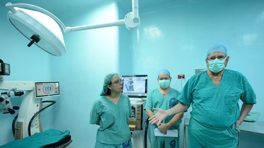 Persiste el conflicto entre la dirección del ISSS y los oftalmólogos.