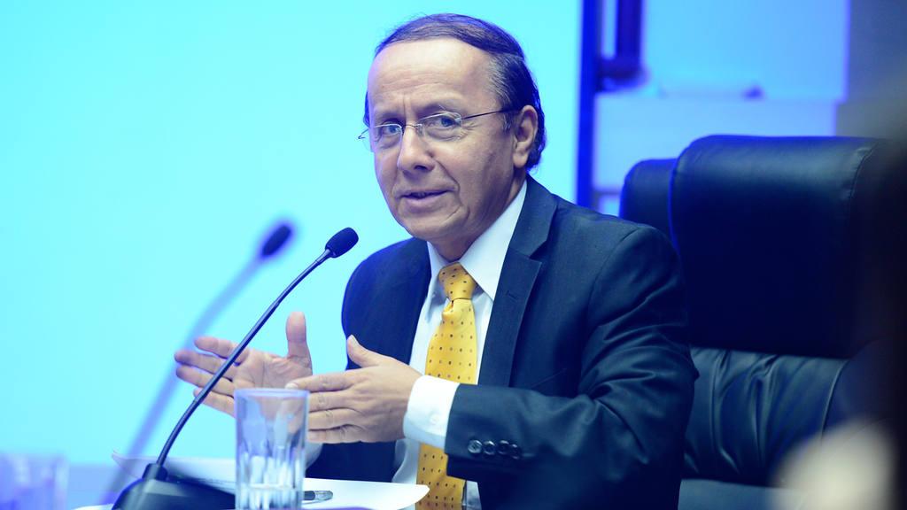 Gerson Martínez, ministro de Obras Públicas
